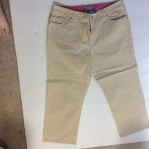 Women's IZOD Capri Pants